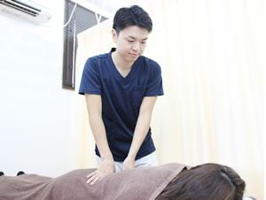 各務原市の交通事故 腰痛の施術写真
